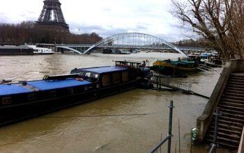 Photo de Photos d'un petit jogging le long de la Seine en crue à Paris…